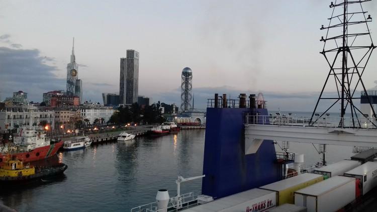 Port w Batumi w Gruzji Morze Czarne rejs UKR Ferry