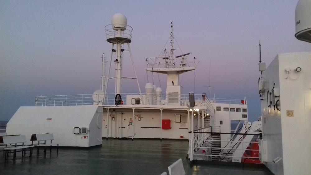 Morze-Czarne UKR Ferry prom cargo Greifswald rejs z Czarnomorska do Batumi poklad gorny zmierzch